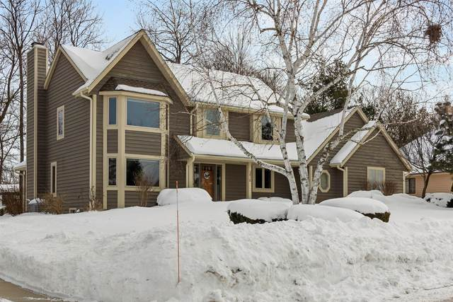 3410 S 129th St, New Berlin, WI 53151 (#1728154) :: RE/MAX Service First