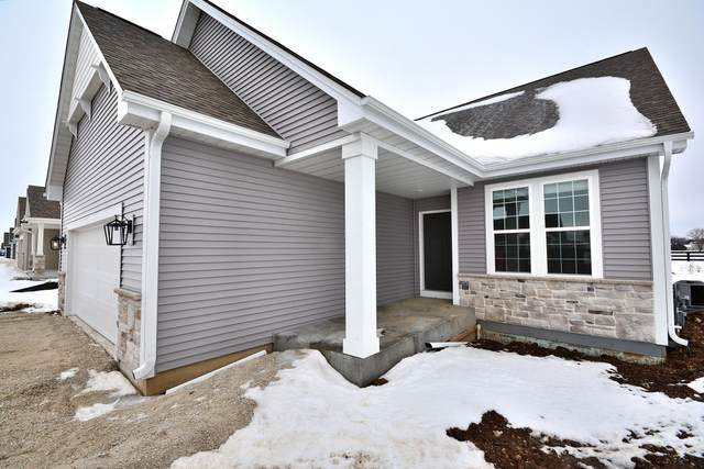 1461 Rosewood Pass, Oconomowoc, WI 53066 (#1728211) :: RE/MAX Service First