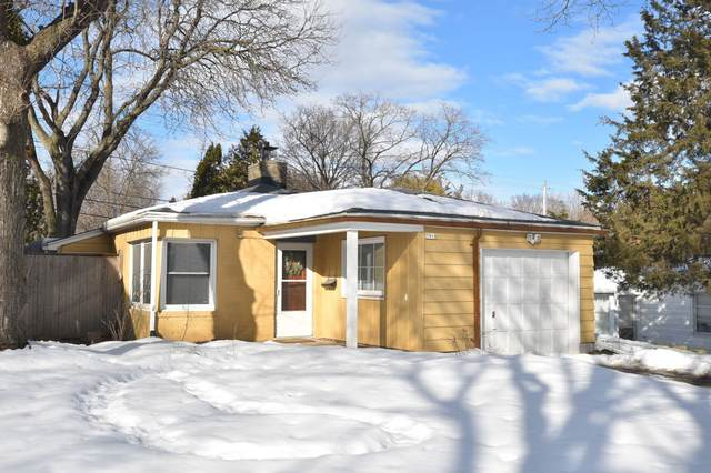 7918 W Keefe Ave, Milwaukee, WI 53222 (#1728277) :: RE/MAX Service First