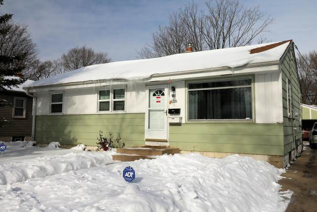 8208 W Custer Ave, Milwaukee, WI 53218 (#1728342) :: RE/MAX Service First
