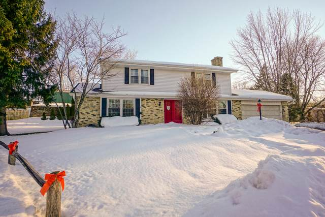 837 Wexford Ct, Hartland, WI 53029 (#1728359) :: OneTrust Real Estate