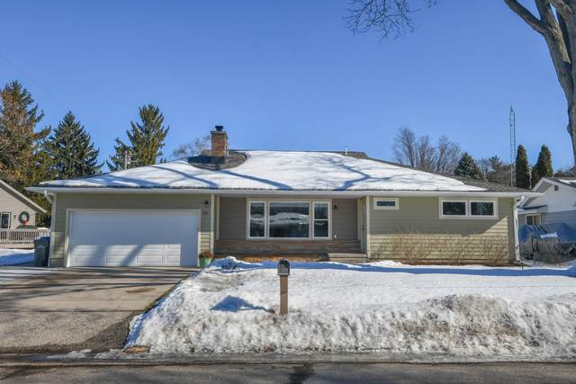 321 Riviera Ln, Watertown, WI 53094 (#1728484) :: EXIT Realty XL