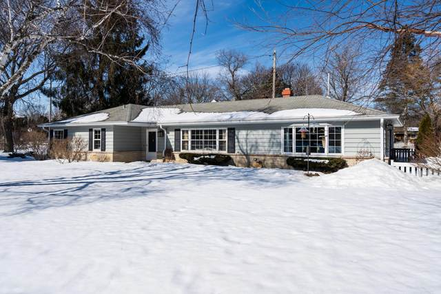 2218 W Fairlane Ave, Glendale, WI 53209 (#1728603) :: RE/MAX Service First