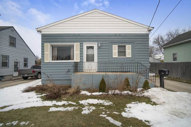 1026 27th St, Two Rivers, WI 54241 (#1728715) :: Keller Williams Realty - Milwaukee Southwest