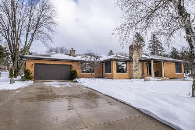 18250 Beverly Hills Dr, Brookfield, WI 53045 (#1729019) :: RE/MAX Service First