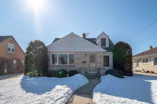 1843 Fairmont St, Manitowoc, WI 54220 (#1729109) :: RE/MAX Service First