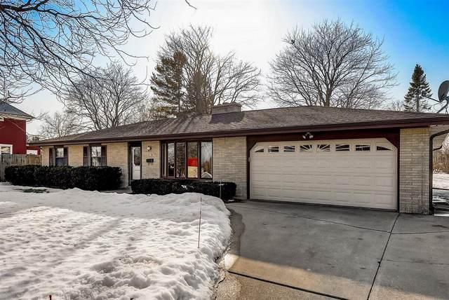 917 N Wisconsin St, Port Washington, WI 53074 (#1729175) :: Tom Didier Real Estate Team
