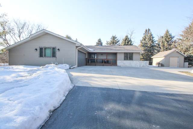 279 Woodland View Ct, Richfield, WI 53017 (#1729313) :: RE/MAX Service First