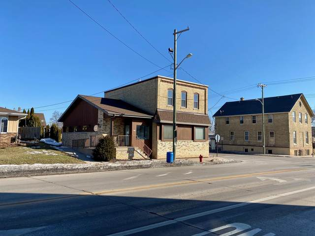 2102 Marshall St, Manitowoc, WI 54220 (#1729350) :: EXIT Realty XL