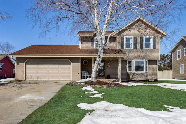 4135 S Regal Manor Ct, New Berlin, WI 53151 (#1729353) :: RE/MAX Service First