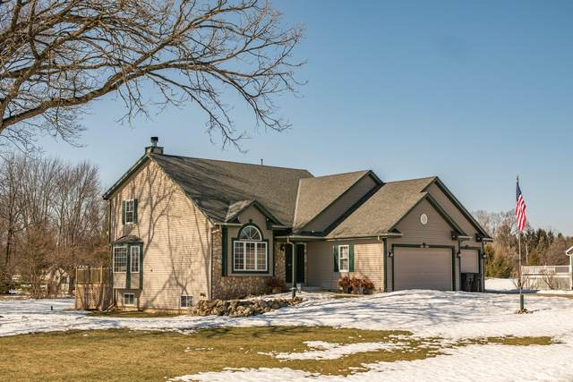W308S8875 Woodland Dr, Mukwonago, WI 53149 (#1729535) :: OneTrust Real Estate