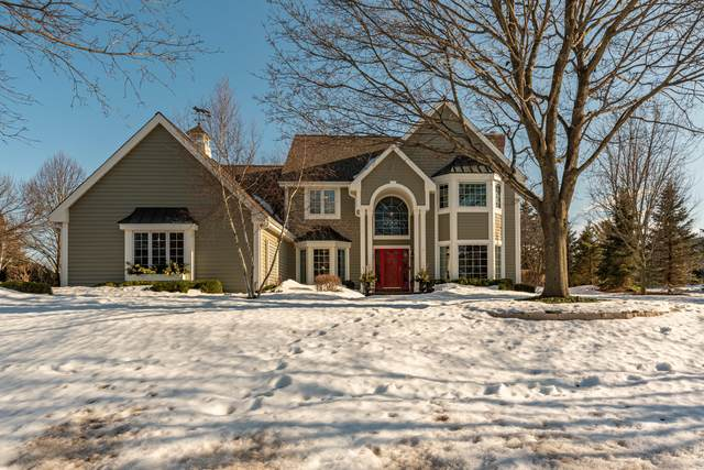 3725 W Grace Ave, Mequon, WI 53092 (#1729537) :: RE/MAX Service First
