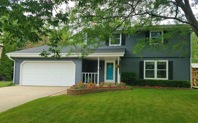 7020 W Imperial Dr, Franklin, WI 53132 (#1729901) :: RE/MAX Service First