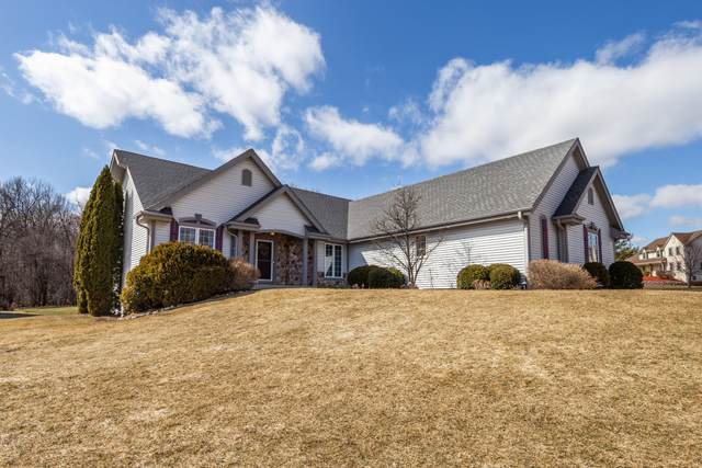 W126N6087 Parkway Dr, Menomonee Falls, WI 53051 (#1730290) :: RE/MAX Service First