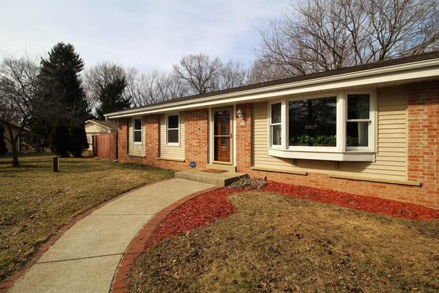 S15W37287 Willow Springs Dr, Ottawa, WI 53118 (#1730498) :: RE/MAX Service First