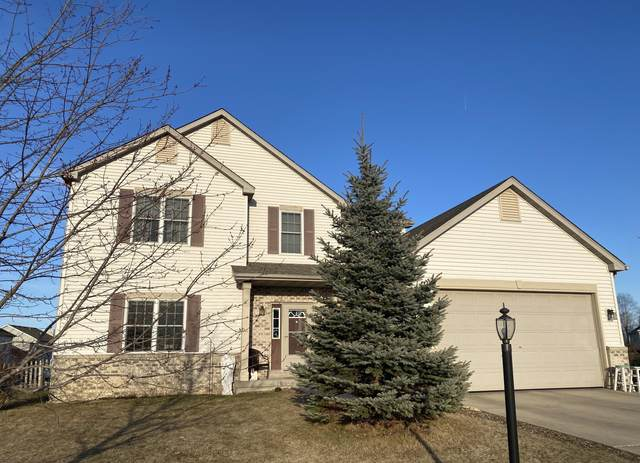 N8340 Whippoorwill Rd, Ixonia, WI 53036 (#1730768) :: RE/MAX Service First