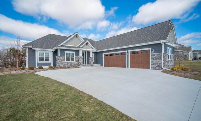 W299N3331 S Imperial Dr, Delafield, WI 53072 (#1730796) :: RE/MAX Service First