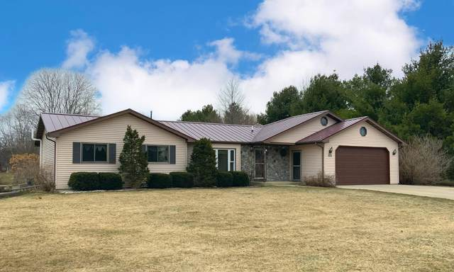 W317S3010 Roberts Ct S, Genesee, WI 53188 (#1730866) :: RE/MAX Service First