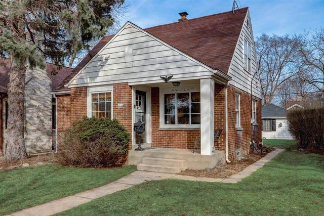 2210 S 107th St, West Allis, WI 53227 (#1730896) :: RE/MAX Service First