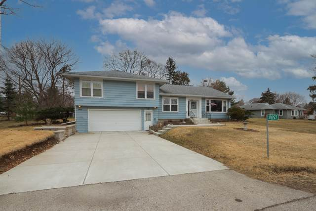38927 89th St, Randall, WI 53159 (#1730929) :: RE/MAX Service First