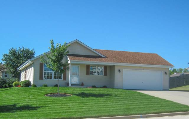 221 Pioneer Dr, Johnson Creek, WI 53038 (#1731067) :: RE/MAX Service First