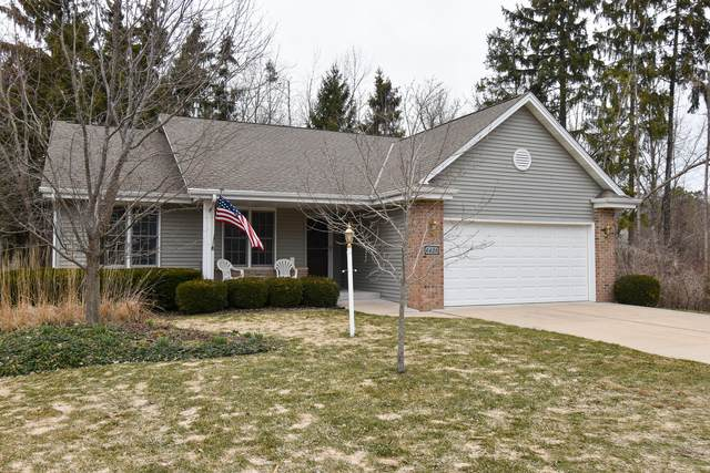 6428 Nature Dr, Caledonia, WI 53402 (#1731077) :: RE/MAX Service First