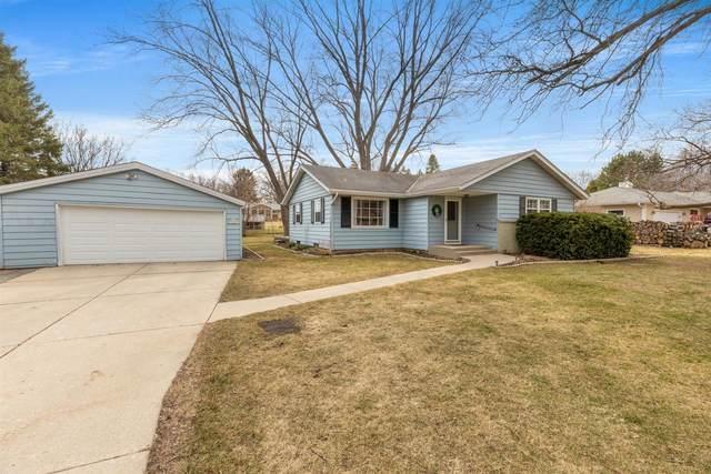 N61W15061 How Ave, Menomonee Falls, WI 53051 (#1731111) :: Tom Didier Real Estate Team
