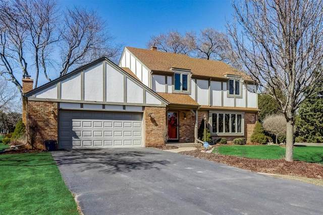 2 Beechwood Ct, Wind Point, WI 53402 (#1731116) :: RE/MAX Service First