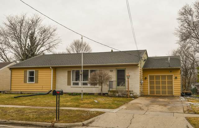 1318 Randolph St, Watertown, WI 53094 (#1731126) :: RE/MAX Service First