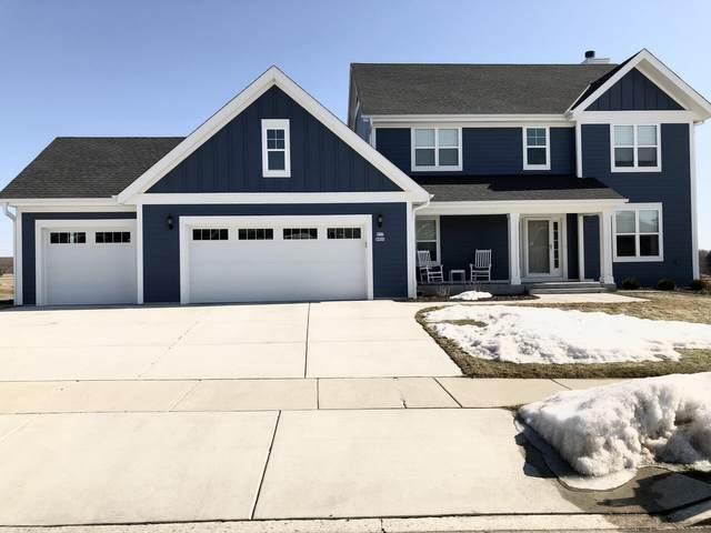 W77N400 Prairie View Rd, Cedarburg, WI 53012 (#1731131) :: Tom Didier Real Estate Team