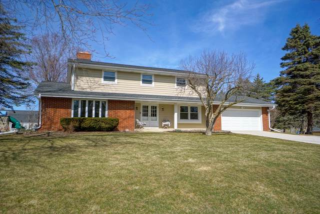 N113W13378 Crestview Dr, Germantown, WI 53022 (#1731261) :: RE/MAX Service First