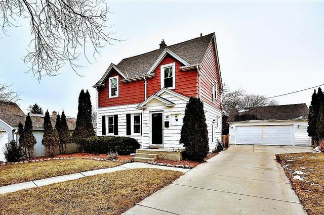 2560 N 75th St, Wauwatosa, WI 53213 (#1731308) :: RE/MAX Service First