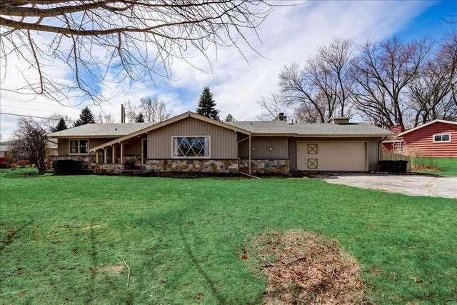 12625 Falcon Dr, Brookfield, WI 53005 (#1731362) :: RE/MAX Service First