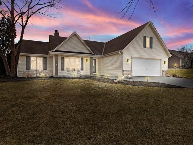 N100W14615 Ridgefield Rd, Germantown, WI 53022 (#1731401) :: EXIT Realty XL