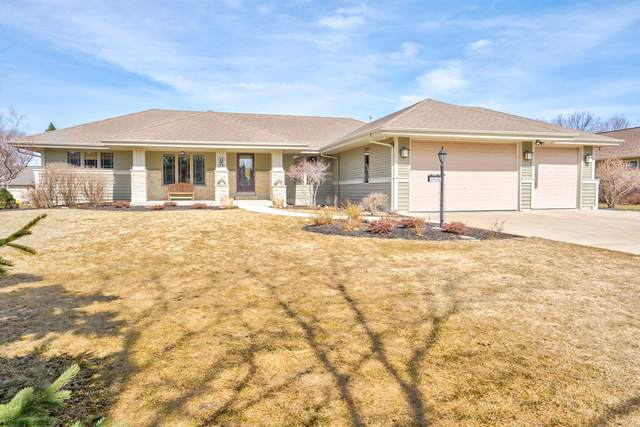 3426 W Links Dr, Franklin, WI 53132 (#1731428) :: RE/MAX Service First