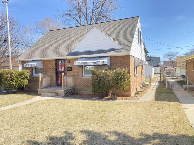 5176 N 67th St, Milwaukee, WI 53218 (#1731914) :: RE/MAX Service First