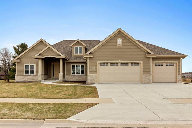 1767 Colony Ct, Hartford, WI 53027 (#1732008) :: RE/MAX Service First