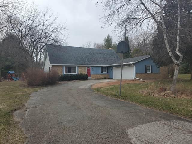 W377N6331 Brookhill Rd, Oconomowoc, WI 53066 (#1732230) :: OneTrust Real Estate