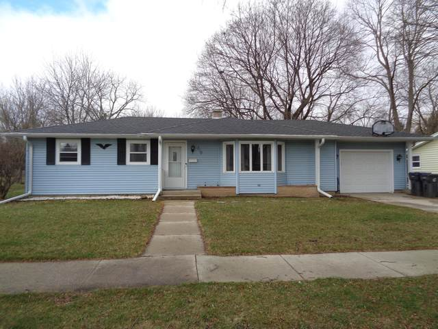 710 N Bel-Ayr Dr, Waukesha, WI 53188 (#1732342) :: RE/MAX Service First