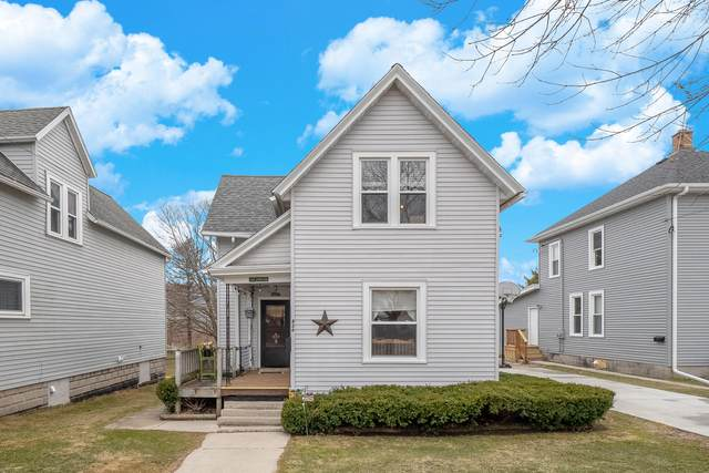 426 Middle St, Plymouth, WI 53073 (#1732584) :: EXIT Realty XL