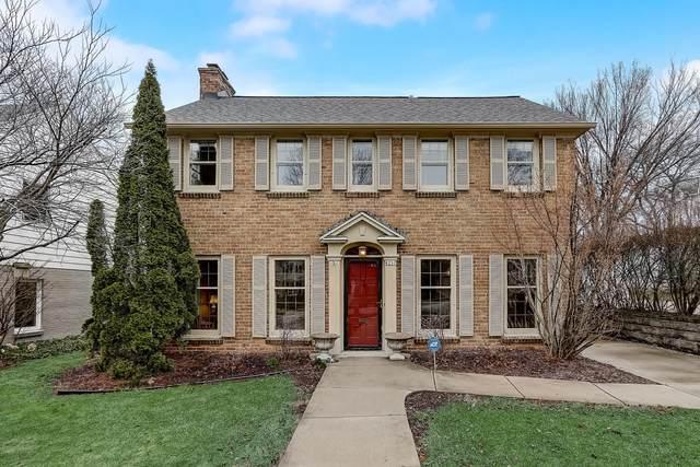 6257 N Bay Ridge Ave, Whitefish Bay, WI 53217 (#1732628) :: Tom Didier Real Estate Team