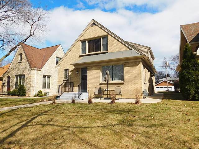 3244 S Logan Ave, Milwaukee, WI 53207 (#1732677) :: RE/MAX Service First