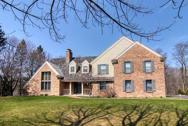 9939 N Valley Hill Dr, Mequon, WI 53092 (#1732710) :: RE/MAX Service First