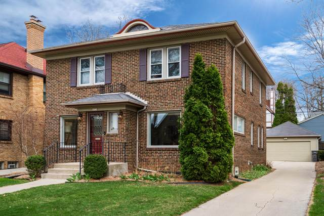 4836 N Woodburn St, Whitefish Bay, WI 53217 (#1732737) :: RE/MAX Service First