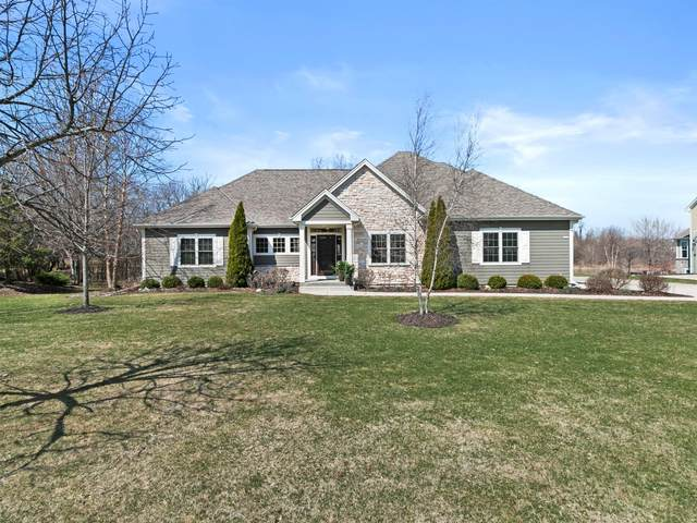 7180 W River Birch Dr, Mequon, WI 53092 (#1732824) :: RE/MAX Service First