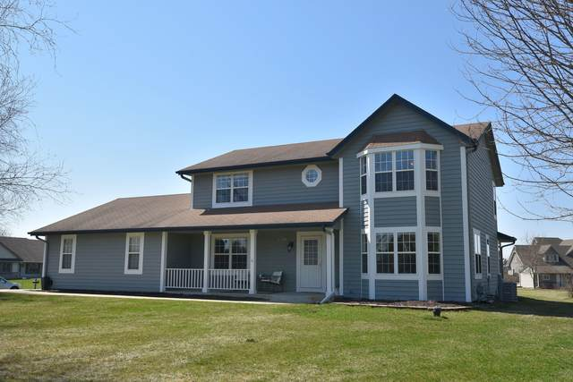 W275N7217 Glacier Pass, Merton, WI 53029 (#1732851) :: RE/MAX Service First
