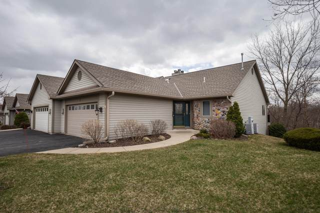 475 Sunset Trl, Hartland, WI 53029 (#1733242) :: RE/MAX Service First