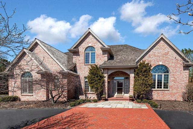 4114 W Stonefield Rd, Mequon, WI 53092 (#1733332) :: Tom Didier Real Estate Team