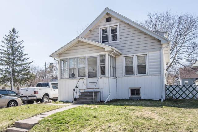 5681 N 35th St, Milwaukee, WI 53209 (#1733435) :: RE/MAX Service First