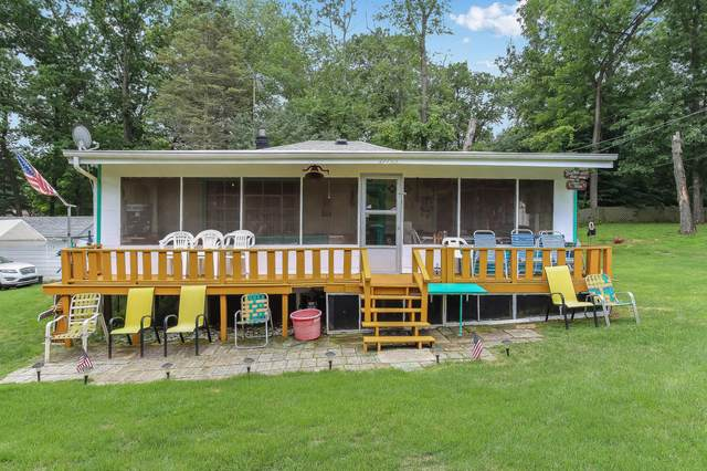 27705 89th Pl, Salem Lakes, WI 53168 (#1733463) :: RE/MAX Service First